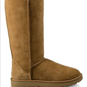 Size 10 tall Ugg boots never worn my calf too big